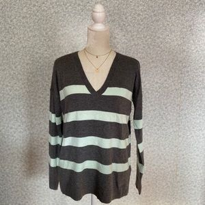 ❤️GAP Gray Green Wool Striped V-Neck Sweater XS❤️